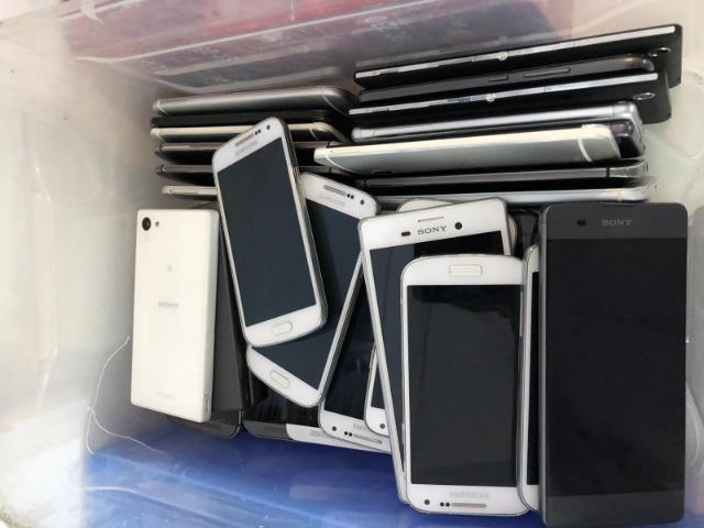 Restposten aus Appel, Sony, LG, Nokia, HTC, Samsung